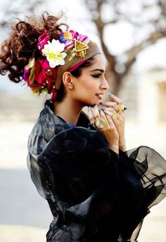 More boho for the Ren-fest Gypsy look! Hippie Style, Ethno Style, Gypsy Style, Bohemian Style, Sonam Kapoor, Hippy Chic, Boho Chic, Hippie Elegante, Style Nomade