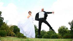 Brautpaar auf Wolke 7. #brautpaar #hochzeit