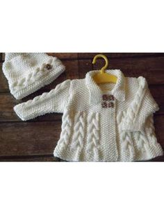 Stricken Ravelry: Cosy Cables Baby Matinee Set Jacket and Hat pattern by Hampton Towers, Baby Knitting Patterns, Knitting For Kids, Knitting Stitches, Baby Patterns, Free Knitting, Knit Baby Sweaters, Knitted Baby Clothes, Cardigan Bebe, Baby Cardigan