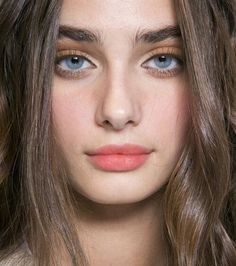 Welcome to your ultimate source for everything about the model Taylor Marie Hill. Our goal is to. Taylor Marie Hill, Taylor Hill Style, Taylor Hill Hair, Bushy Eyebrows, Natural Eyebrows, Thick Eyebrows, Natural Makeup, Gorgeous Eyes, Beautiful