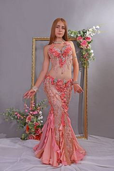 Professional costume for belly dance Bridal Style Belly Dancer Costumes, Belly Dancers, Dance Costumes, Dance Outfits, Dance Dresses, Dress Outfits, Professional Costumes, Belly Dancing Classes, Belly Dance Outfit