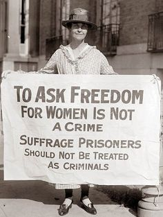 Photograph of Woman Suffrage Pickets. It was made in 1917 by Harris & Ewing. History, women's rights, civil liberties, freedom, suffrage. Women In History, World History, Ancient History, Tudor History, History Museum, Photos Du, Old Photos, Les Suffragettes, Alice Paul