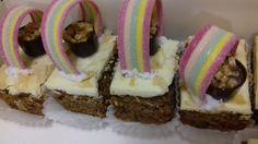 Marchewkowe ciasto z tęczą na piknik.Rainbow cake.