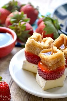 Strawberry Brie Waffle Bites - a simple, delicious Mother's Day brunch appetizer! But maybe goat cheese instead of Brie ; Brunch Appetizers, Brunch Recipes, Dessert Recipes, Breakfast Recipes, Brunch Ideas, Breakfast Ideas, Brie Appetizer, Tea Recipes, Recipes Dinner