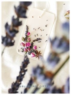 My favorite scented wax tart Lavender #scentedwax #dubaigifts handcrafted by #Bluebird_gifts Dubai