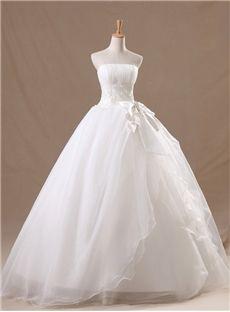 ゴージャスなストラップレスのレースのアップリケ床長さの夜会服のウェディングドレス