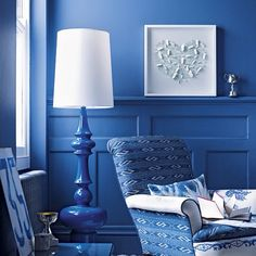 Stunning blue and white interior home deco Bedroom Decor, Decor, Blue Interior Design, Blue Decor, House Interior, Blue Rooms, Blue Interior, Blue Living Room, Blue Walls