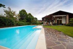Lombardia, Villa Singola Con Piscina