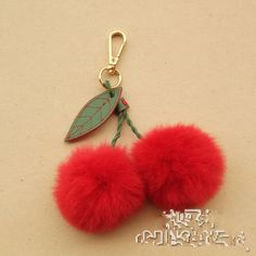 Cheap fur ball keychain, Buy Quality pom pom keychain directly from China rabbit fur ball keychain Suppliers: Genuine Rabbit Fur Ball Keychain Key Chain Women Fur Pompom Key Chains Fur Key Chain Fur Pom Pom Keychain Green Leaf Keyring Pom Pom Crafts, Yarn Crafts, Diy And Crafts, Crafts For Kids, Arts And Crafts, Keychain Diy, Keychains, Craft Gifts, Diy Gifts
