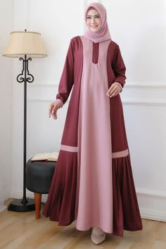 Abaya Fashion, Fashion Dresses, Muslim Long Dress, Hijab Dress Party, Moslem Fashion, Muslim Women Fashion, Hijab Fashion Inspiration, Abaya Designs, Batik Dress