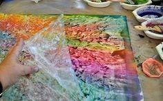 Frischhaltefolie zum Malen mit Kindern verwenden