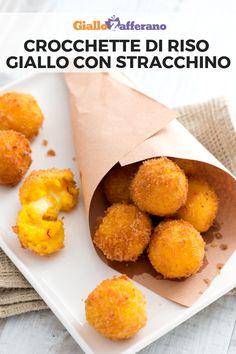 CROCCHETTE DI RISO GIALLO CON STRACCHINO: piccole e dorate crocchette con un cremoso e tenero cuore di formaggio. Perfette per grandi e piccini! #crocchette #croquettes #polpette #meatballs #balls #riso #rice #risotto #giallo #zafferano #saffron #fried #antipasto #secondo #piatto #aperitivo #appetizer #easy #recipe #ricetta #facile #veloce #giallozafferano [Easy italian saffron risotto balls recipe] Finger Food Appetizers, Finger Foods, Appetizer Recipes, Arancini, Albondigas, Soul Food, Street Food, Italian Recipes, Food Inspiration