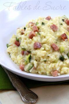 Risotto zucchine e speck: un accostamento perfetto di gusto e di colore per un primo piatto molto semplice da preparare ma di sicuro successo e gradimento