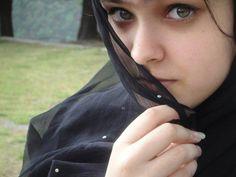 my name iz muhammad asim awan n living islamabad(pak).age iz 32 n wana brirish muslim gil n my email adress is asimawan75@hotmail.com.my line land no iz 920512544390.n sales exective n trackerco  i wana seteld wid that girl n m r very nice n having broad specrtum person.face book id iz asimawan75 h.no 990 stno 96 i-10-1 islamabad(pakistan)