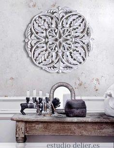 cuadros rusticos madera, mandalas en color blanco cuadros decorativos delier Damask, Decoration, Carving, Carved Wood, Metal, Cnc, Porch, House, Inspiration