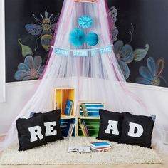 "Felt ""READ"" Pillows"