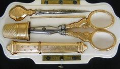 ANTIQUE FITTED CASED 18K GOLD NEEDLEWORK SEWING TOOL SET. TAHAN, PARIS C1880 NR