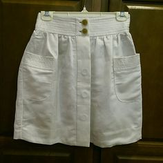 J. Crew skirt So cute! Hidden buttons down the front. Lined, so no worries about openings in front doing the buttons. 2 big pockets. Cream color.  See the current Sale ad at the top of my closet ⭐ or Make an offer! J. Crew Skirts