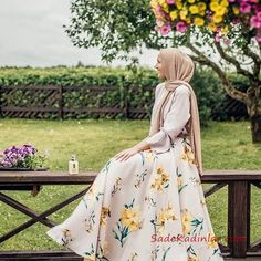 After Ramadan and a lot of traveling, my skin has gotten super dry… so it's been sooooo refreshing to spend some time in fresh air! Hijab Fashion Summer, Modest Fashion Hijab, Casual Hijab Outfit, Hijab Dress, Muslim Fashion, Fashion Outfits, Skirt Fashion, Hijab Look, Hijab Style