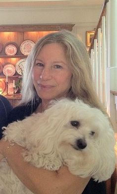<3 Streisand at home with no make-up.