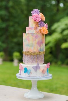 "Photographer Ashton Kelley had a vision for a Taylor Swift-inspired wedding photo shoot from her ""wildest dreams,"" and she pulled it off. As a Taylor Taylor Swift Cake, Taylor Swift Party, Taylor Swift Birthday, Wedding Set Up, Wedding Blog, Dream Wedding, Wedding Ideas, Wedding Wishes, Wedding Themes"