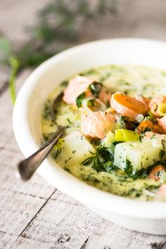 Finnish Salmon Soup – Lohikeitto ~ this is the ultimate 30 minute spring meal, with a light cream broth, tender chunks of salmon, and tons of fresh dill!