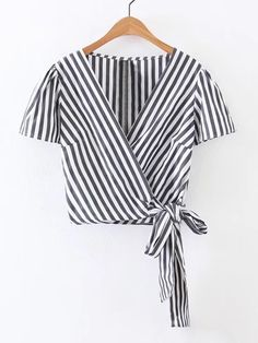 SheIn offers Surplice Front Knot Detail Top & more to fit your fashionable needs. Pretty Outfits, Cute Outfits, Simple Pakistani Dresses, Summer Outfits, Girl Outfits, Blouse Styles, Pulls, Teen Fashion, Ideias Fashion