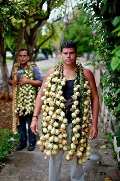 Selling onions in Havana, Cuba. Photo: Greg Kahn