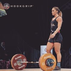 Crossfit Lifts, Crossfit Chicks, Olympic Weightlifting, Muscular Women, Powerlifting, Barbell, Strength Training, Weight Lifting, Gym Motivation