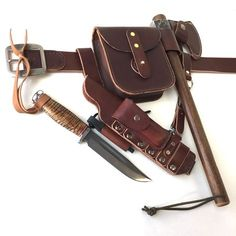 Leather Bushcraft belt, pouch, knife and hawk sheath: by Gillie Leather - Knife: Bark River Boone 2 - Hawk: H&B Forge Bushcraft Gear, Bushcraft Camping, Leather Pouch, Leather Men, Leather Belts, Leather Workshop, Belt Pouch, Leather Projects, Leather Craft