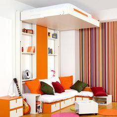 Lit escamotable au plafond : solution gain de place pour studio ou chambre d'ado.  vu sur espace-loggia.com