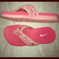 Pink Nike flip flops  little girls 11C Excellent condition , worn a few times . No damage . So adorable Nike Shoes Sandals