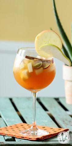 Apple Cider Sangria - Fall Cocktail Recipe