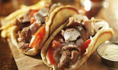 Learn how to prepare and make Greek pita bread, great for Gyros and Greek inspired wraps and sandwiches. Pita Recipes, Halal Recipes, Greek Recipes, Sandwich Recipes, Baking Recipes, Cake Recipes, Pitta Bread Recipe, Greek Pita Bread, Greek