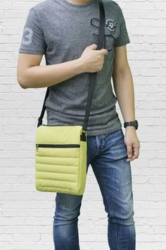 7457189b35 Puffer Messenger Bag Lime