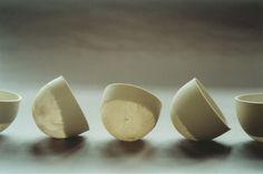 Sylvie Godel - Swiss artist - (porcelain and paper) D x H mm Ceramic Clay, Porcelain Ceramics, Ceramic Bowls, Porcelain Tiles, China Porcelain, Porcelain Dolls For Sale, Porcelain Jewelry, Pottery Plates, Ceramic Pottery