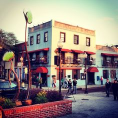 The Riverboat Landing restaurant in downtown Wilmington, NC. Excellent food and views! www.SeaCoastRealty.com #wilmingtonnc #restaurant