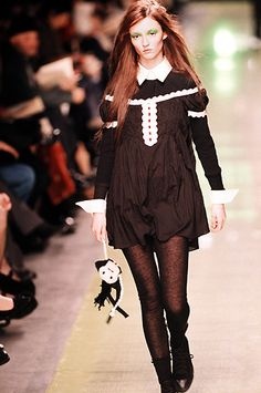 Betsey Johnson : A vfile by Musician VFILES: Connect, discover, collaborate, and be part of what's next. 90s Fashion, Runway Fashion, Fashion Models, Vintage Fashion, Fashion Outfits, Costumes Couture, High Fashion Dresses, Betsey Johnson Dresses, Witch Outfit