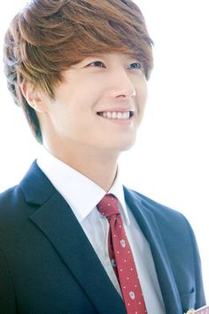 Jung Il Woo from The Moon that Embraces the sun.  I really like his mischievous character.  He was also in the Flower Boy Ramen Shop.