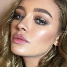"3,312 Likes, 40 Comments - Nikki_Makeup (@nikki_makeup) on Instagram: ""Up close and personal with @roxyhorner  I used 9 products only to create this look yesterday for…"""