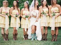 {southern comfort (real wedding)} filled with mason jars and DIY rustic wedding details! Except, the dresses will be coral