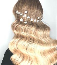 _________________ Zubehör ・ ・ ・ Hair Styles, Fashion, Hair Plait Styles, Moda, Fashion Styles, Hair Makeup, Hairdos, Haircut Styles, Hair Cuts