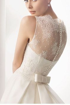 Rosa clara wedding dress. Lace back