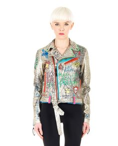 HTC HAND-PAINTED STUDDED JACKET Gold leather studded jacket interamente dipinto a mano completely hand-painted V-neck with studs long sleeves  with zippered cuffs two front pockets with zipper belt loops with belt cross zipper closure 100% Leather  Lining: 100% VI