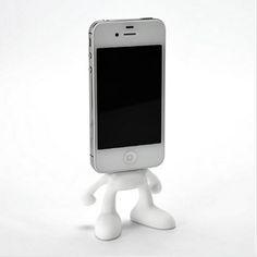 ほうほう、iPhoneやiPodが顔になるんですね。スペックコンピュータから、iPhone/iPod用充電スタンド「Pinhead for ...