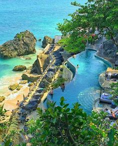 The Ayana Resort in Bali is unreal!  ☀️  Who would you visit with?