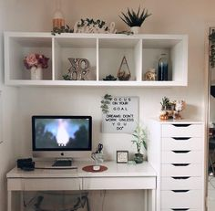 Interior Living Room Design Trends for 2019 - Interior Design Bedroom Decor For Teen Girls, Room Ideas Bedroom, Girl Bedroom Designs, Diy Bedroom Decor, Ikea Girls Bedroom, Nursery Wall Decor, Bedroom Wall, Bedrooms, Cozy Home Office