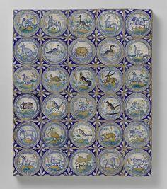 anoniem | Veld van dertig tegels met dieren, anoniem, ca. 1580 - ca. 1625 | Veld van dertig tegels (6 x 5) elk met een veelkleurig (blauw, oranje, groen, geel, bruin en paars) geschilderd dier op een grond binnen een cirkel met kabelmotief. In de hoeken, ornament in vultechniek.