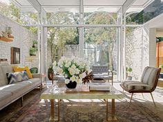 New Orleans' Lee Ledbetter Makes Design Magic by Mixing Past and Present - Introspective Cool Rooms, Great Rooms, Compound House, Patio Grande, New Orleans Homes, Room Interior Design, Indoor Outdoor Living, Make Design, Chair And Ottoman