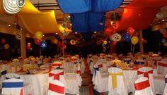Decoración con bandera colombiana para fiesta temática colombiana. #FiestaTematicaColombiana Colombian Wedding, Latin Party, 25th Birthday Parties, Stag And Doe, Going Away Parties, Soccer Party, Party Themes, Party Ideas, Ideas Para Fiestas